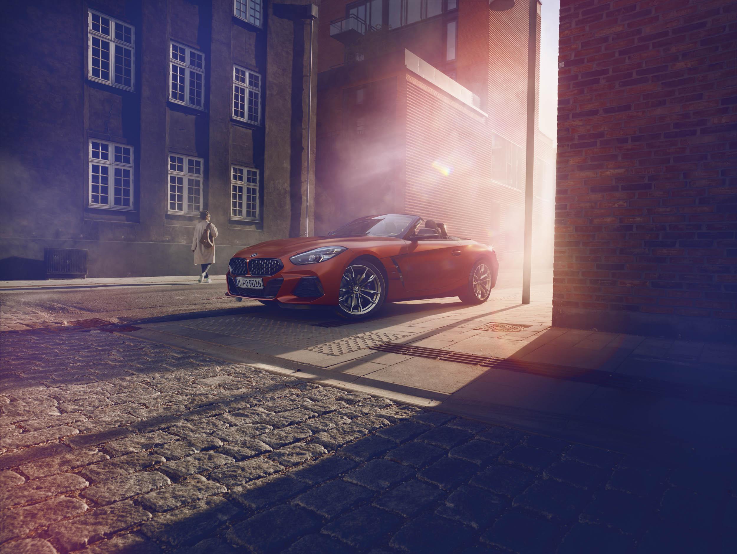 BMW Z4 M40i low front 3/4