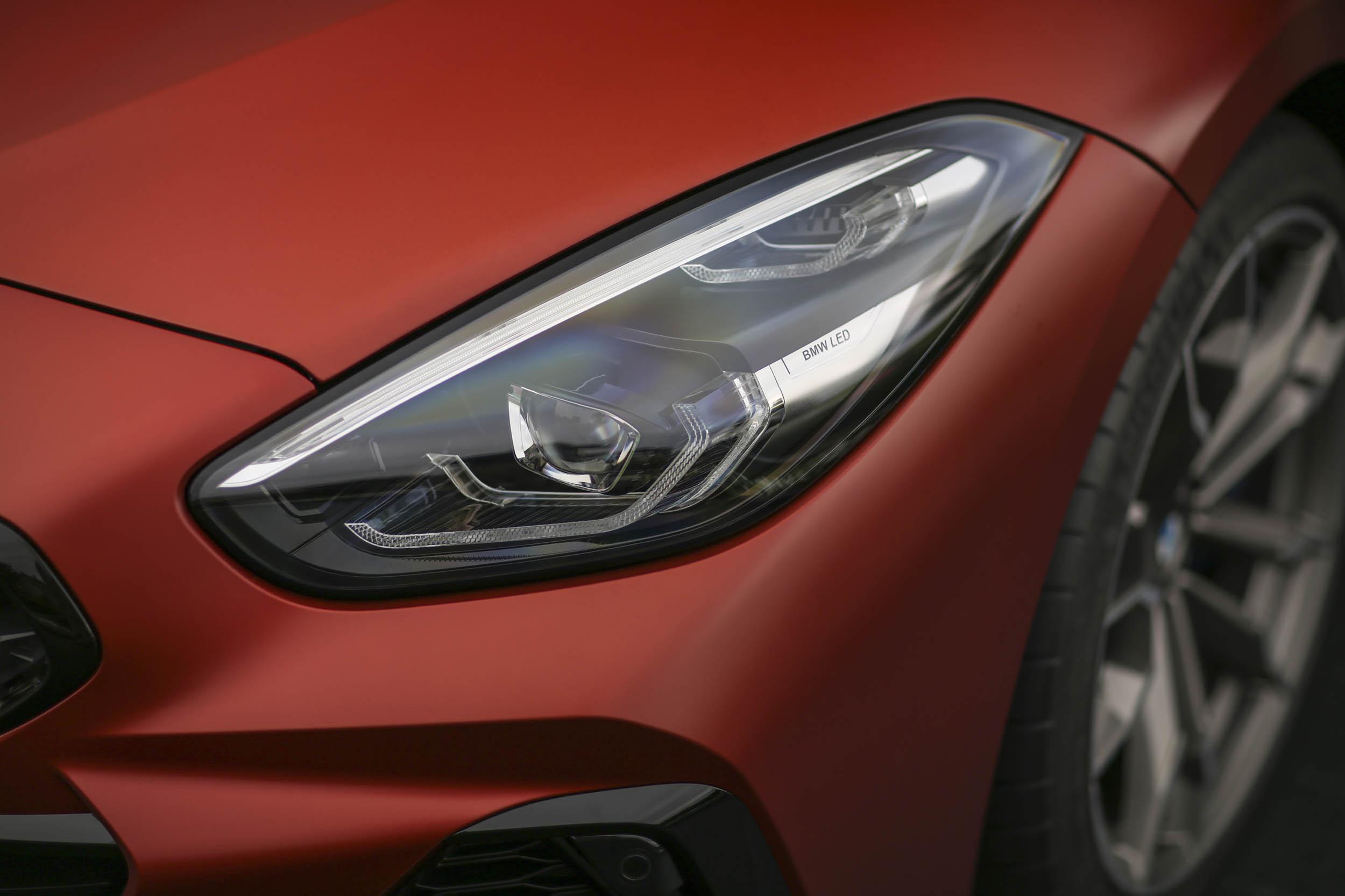 BMW Z4 M40i roadster headlight detail