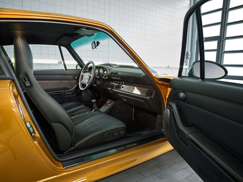 """Porsche """"Project Gold"""" 993 Turbo interior"""