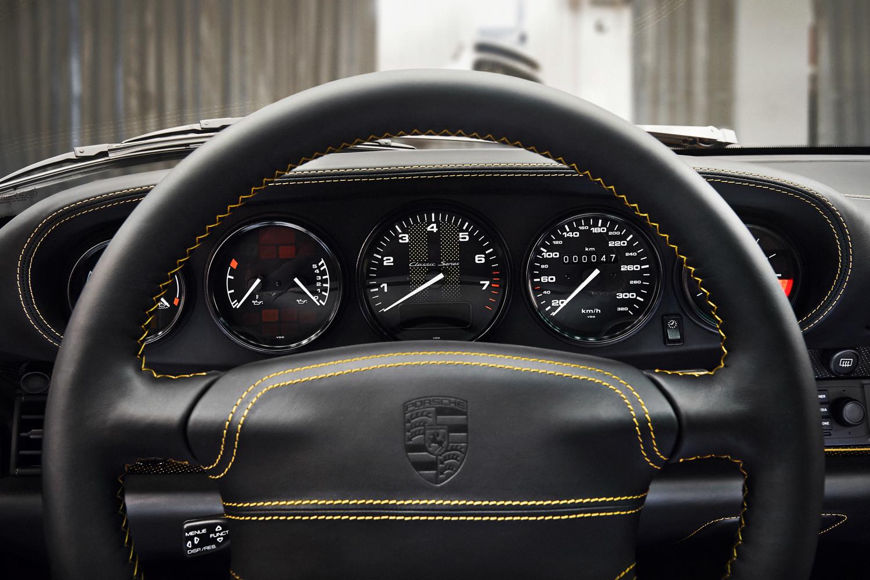 """Porsche """"Project Gold"""" 993 Turbo gauges"""