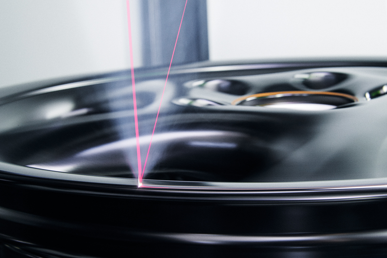 "Porsche ""Project Gold"" 993 Turbo laser wheels"