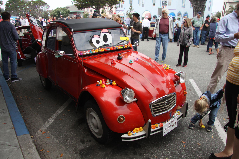 little car show citroen 2cv red eyes rubber ducks