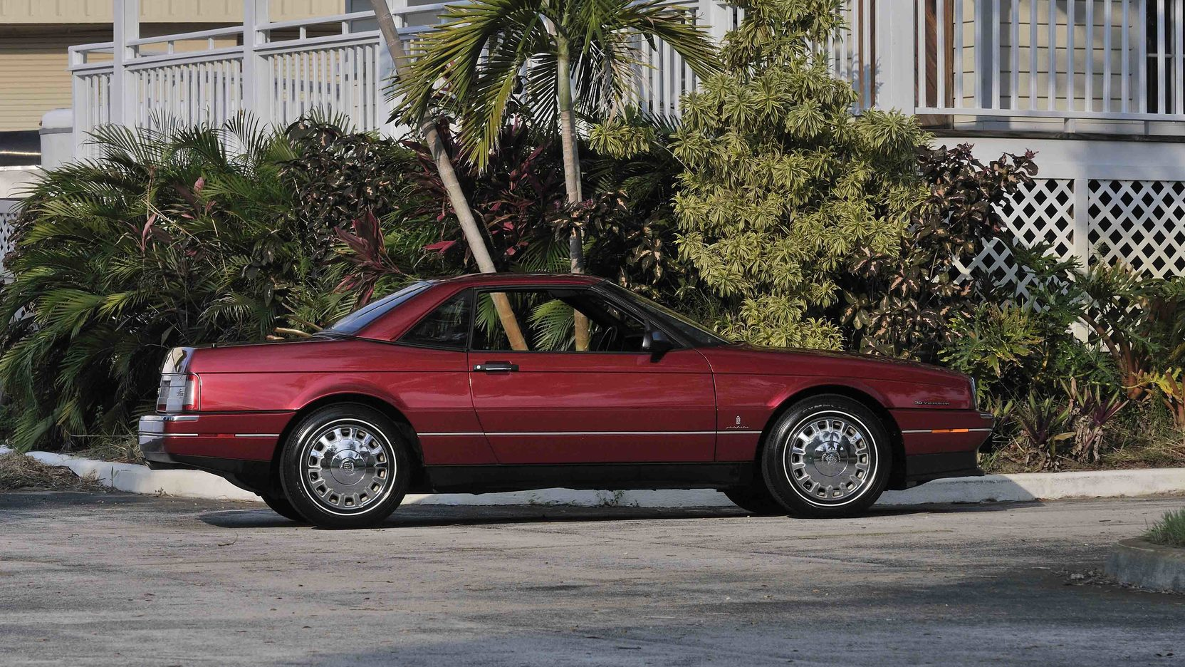 1993 Cadillac Allante side profile