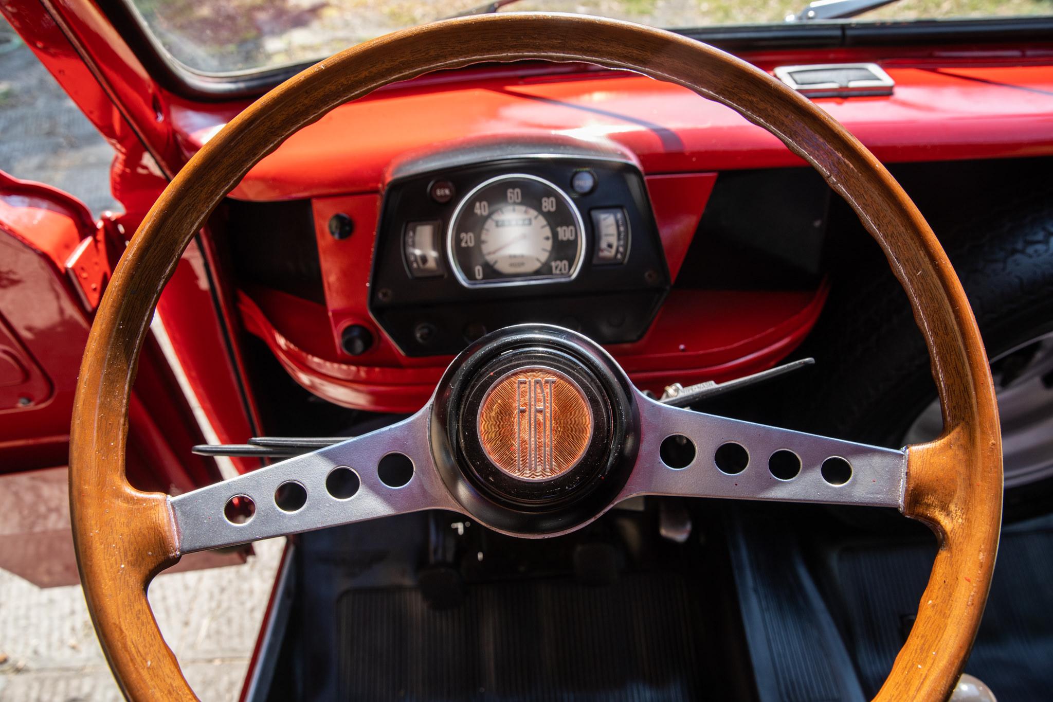 1977 Fiat 900 Coriasco Pickup steering wheel