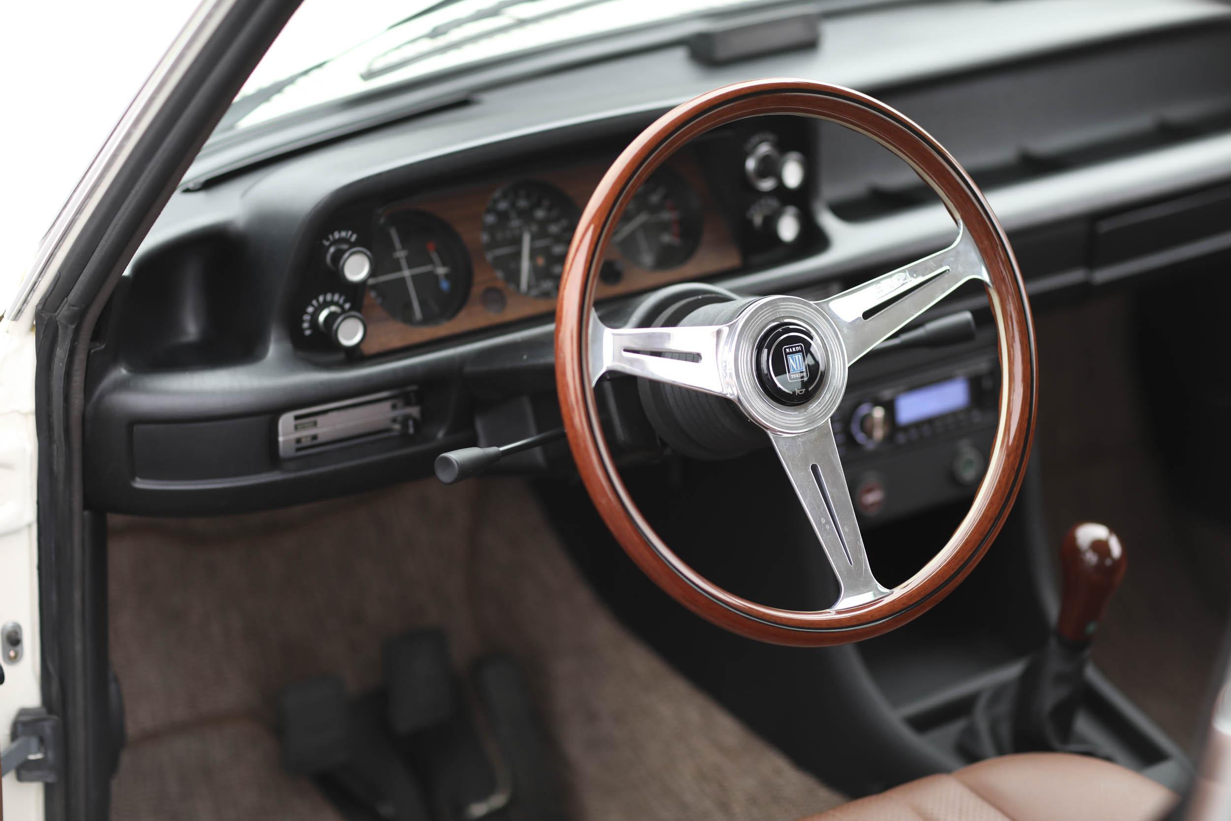 1975 BMW 2002 steering wheel