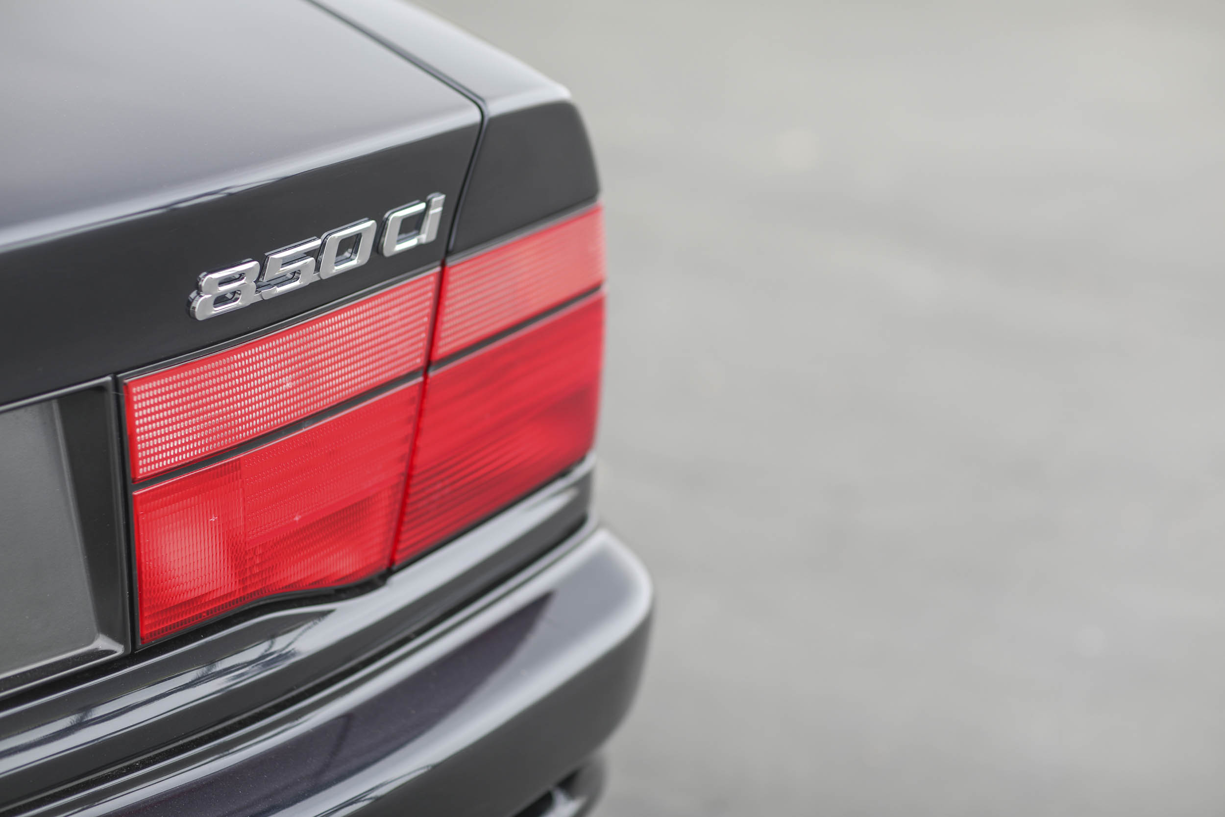 1993 BMW 850Ci badge and tail light detail