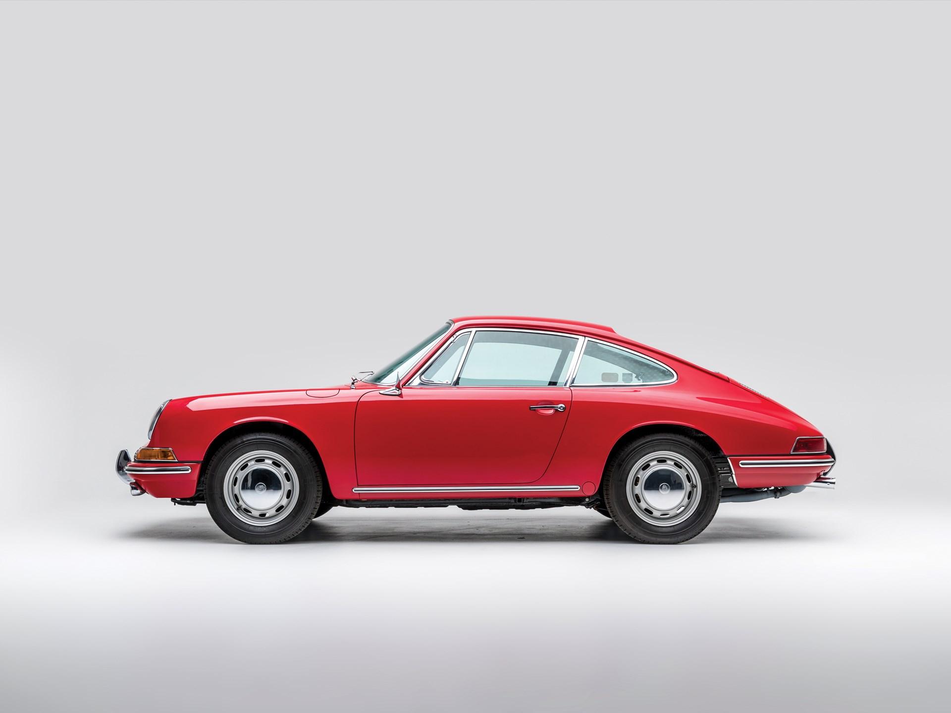 1966 Porsche 911 red side