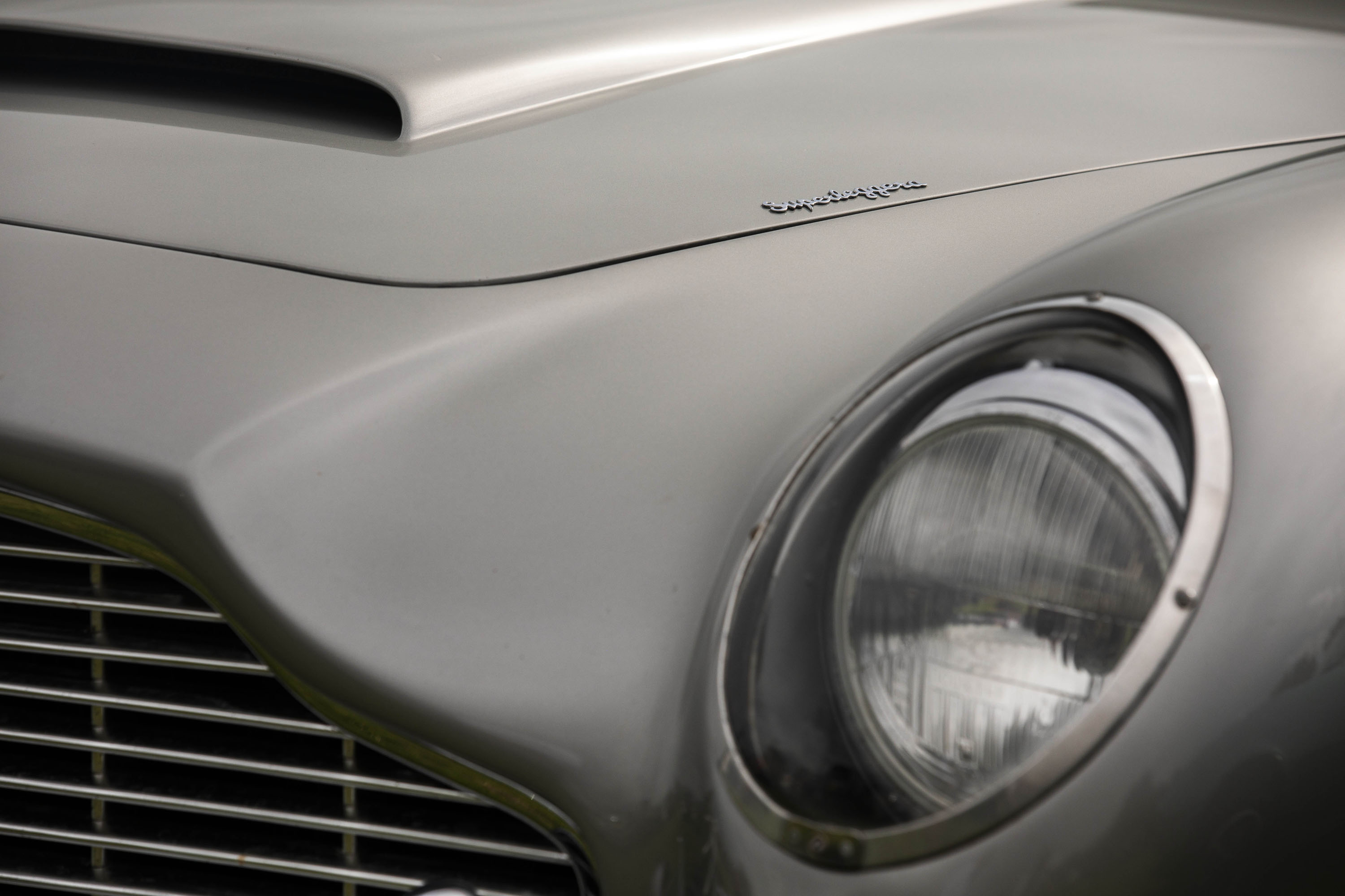 Aston Martin DB5 headlight