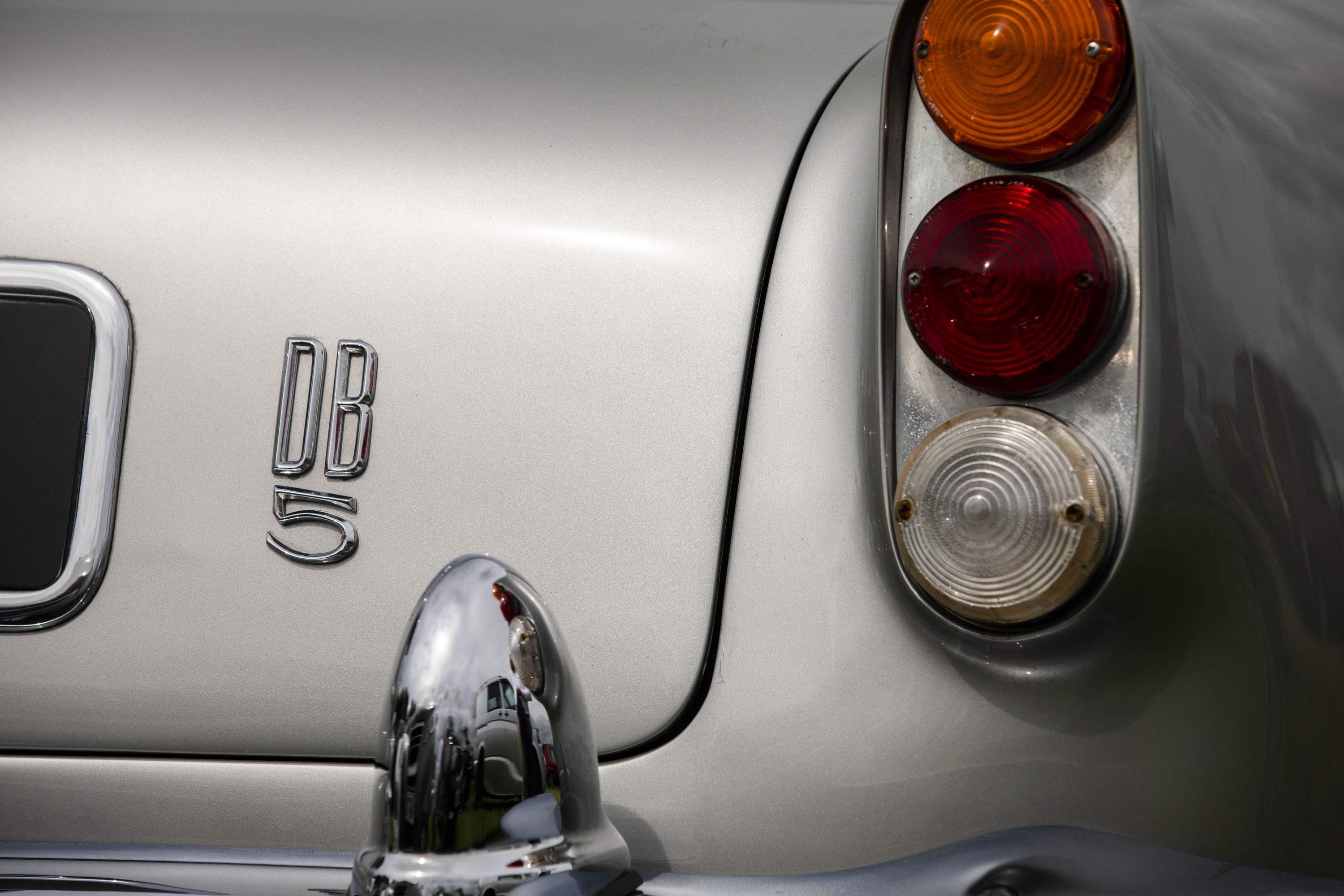 Aston Martin DB5 badge