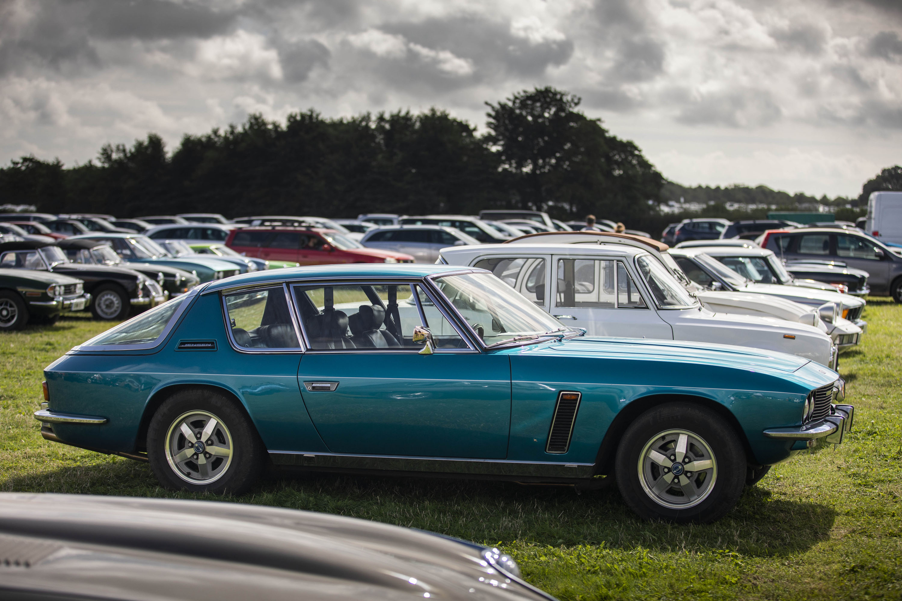 Jensen Interceptor profile