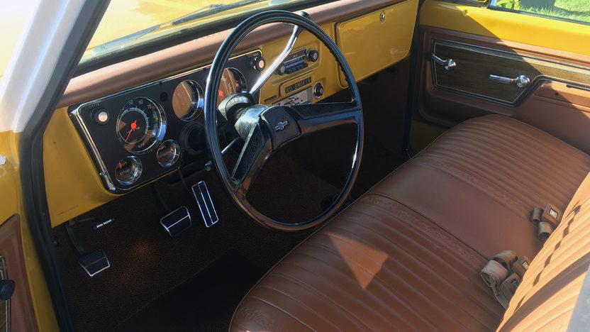 1972 Chevrolet K10 interior