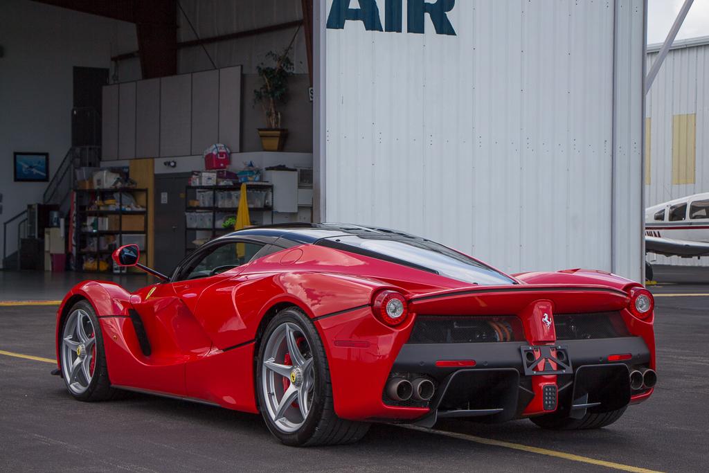 2015 Ferrari LaFerrari rear 3/4