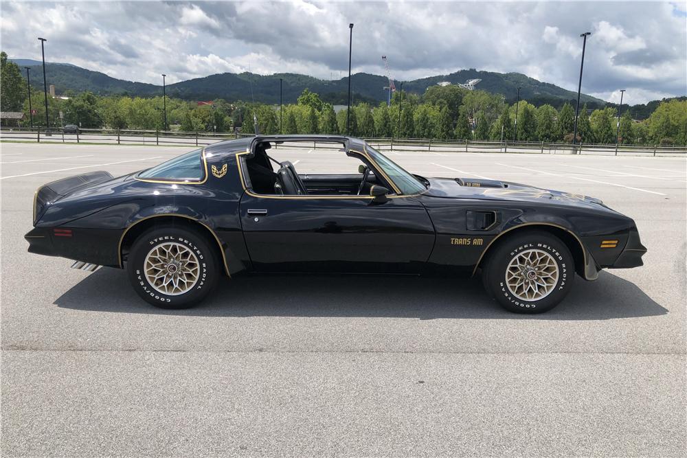 "1978 Pontiac Firebird Trans Am ""Bandit"" Re-creation side profile"