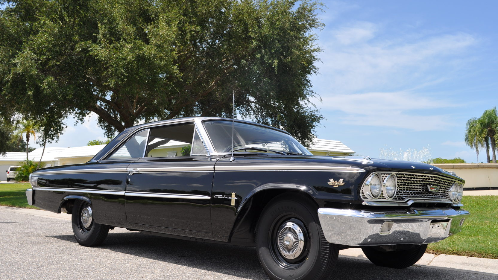 1963 Ford Galaxie Sportsroof front 3/4