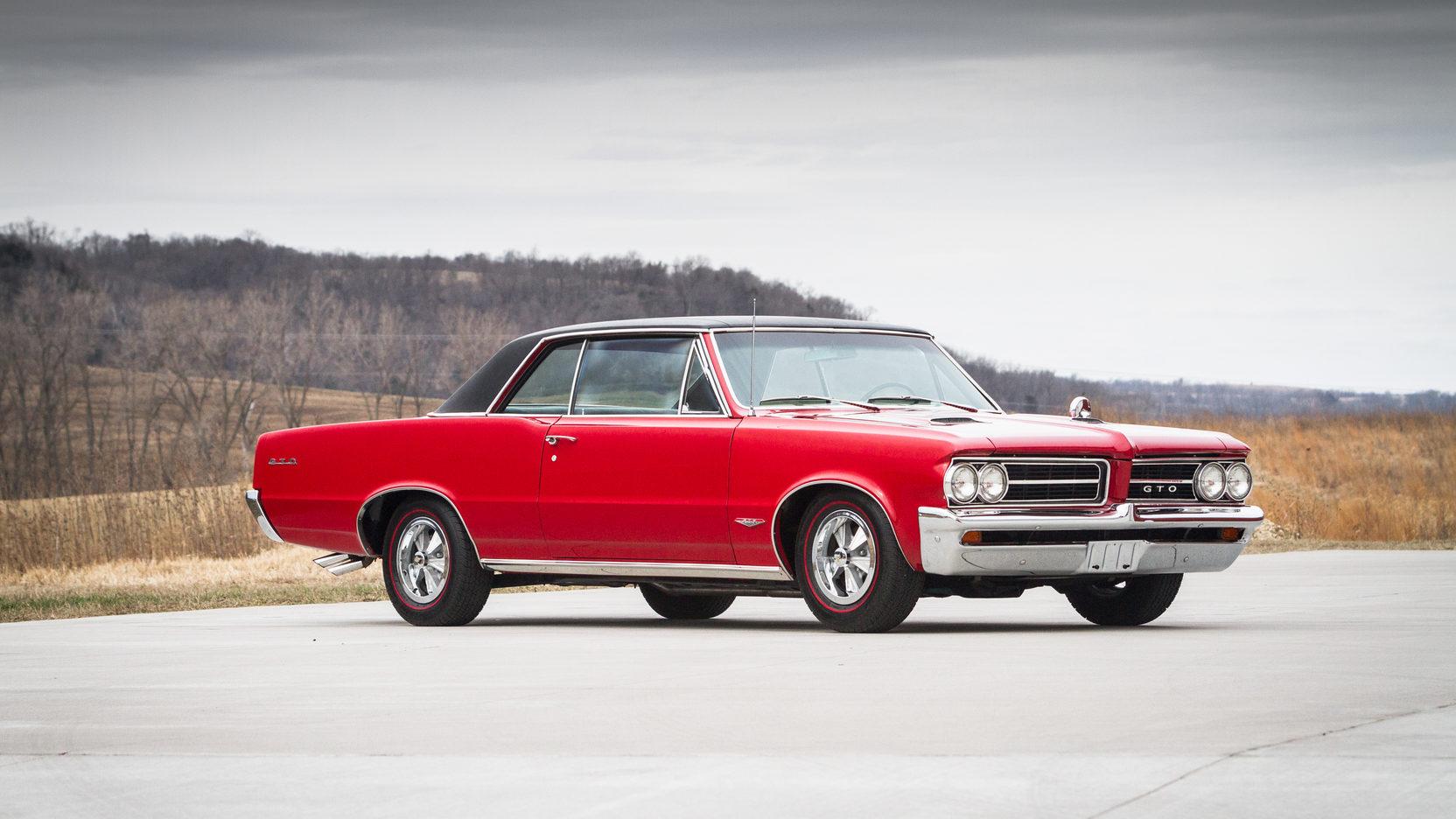 1964 Pontiac LeMans GTO front 3/4