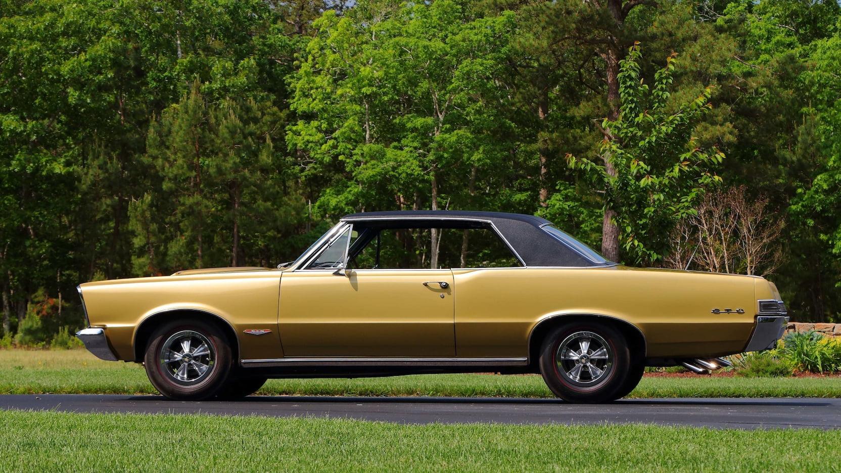1965 Pontiac LeMans GTO side profile