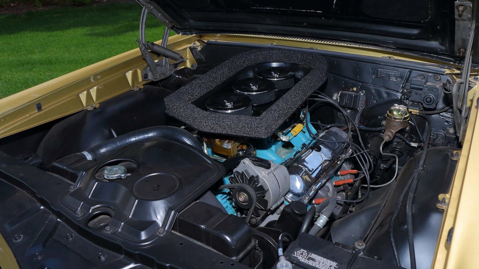 1965 Pontiac LeMans GTO tripower engine