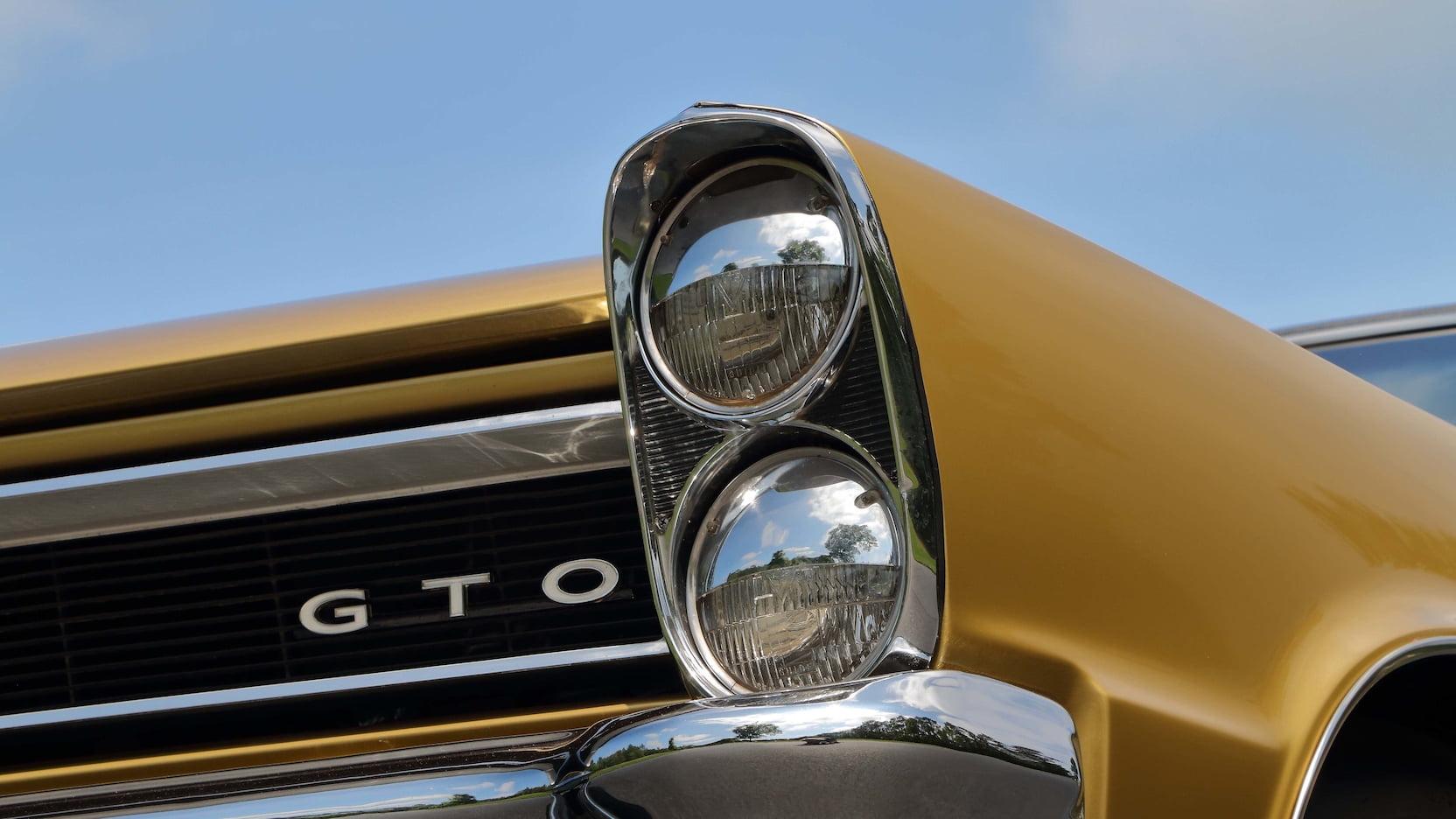 headlights badge 1965 Pontiac LeMans GTO