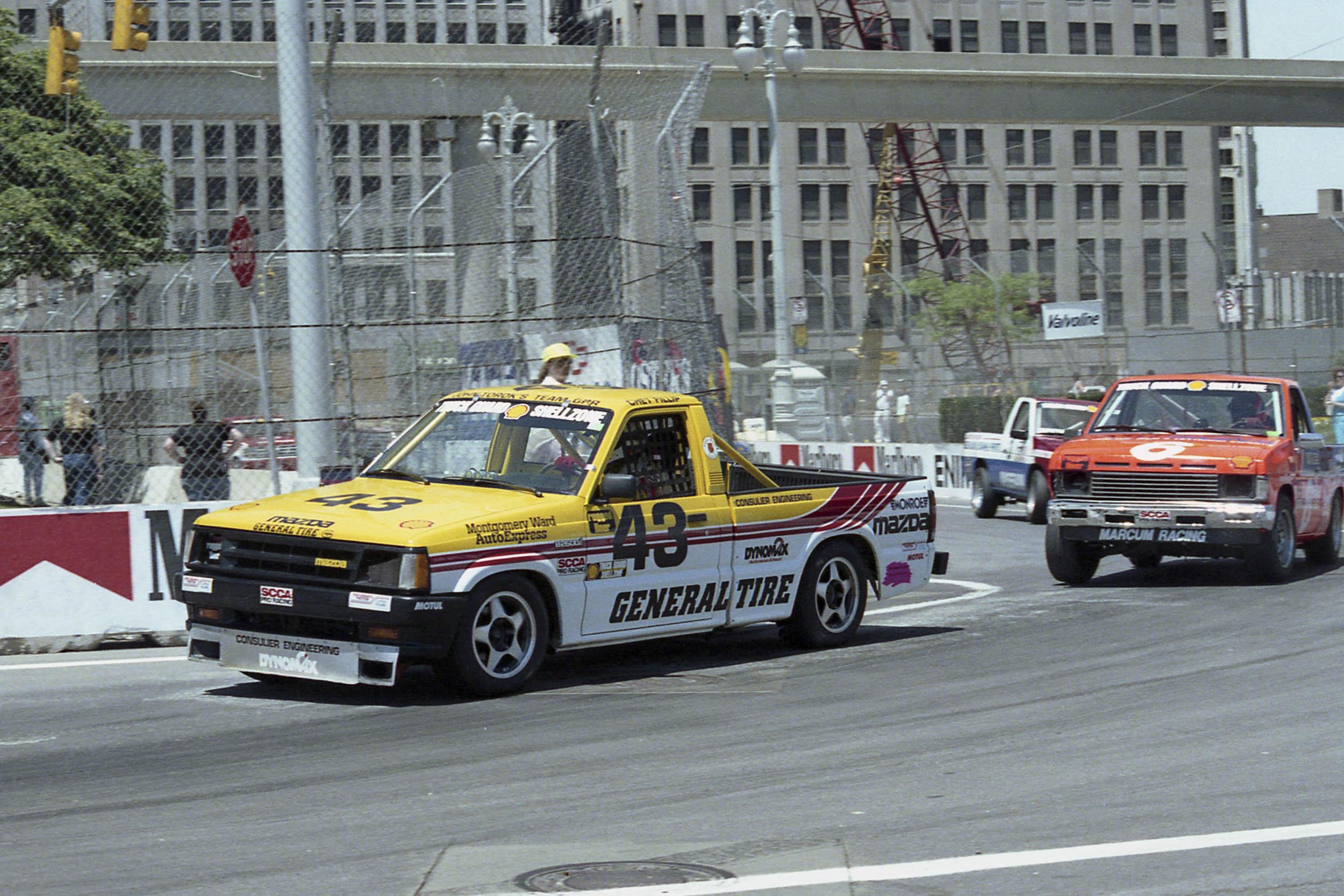 90 det-43 race truck