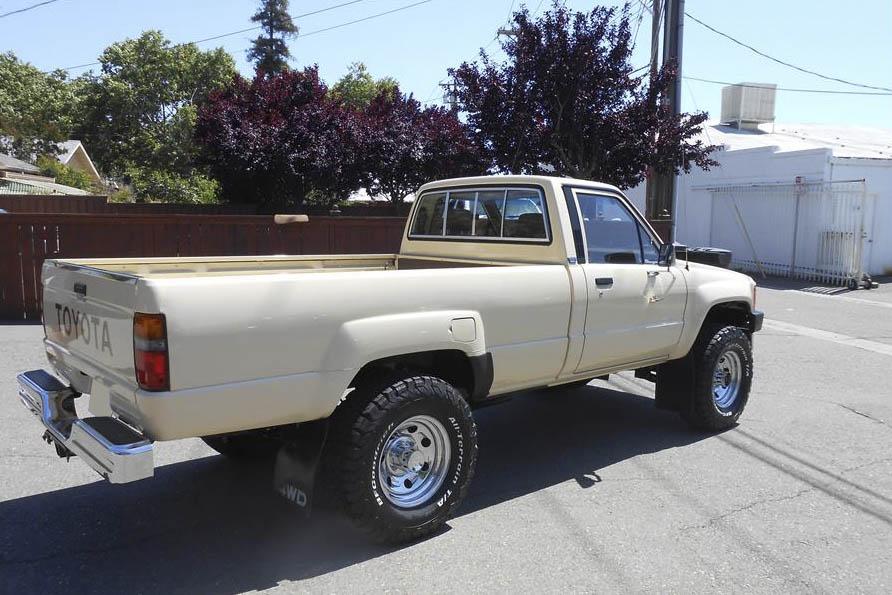 1986 Toyota 4X4 Pickup rear 3/4