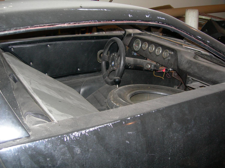 Corwin interior with tire
