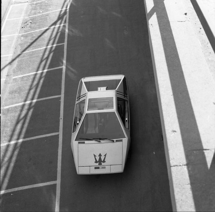 1972 Maserati Boomerang coupé on the track
