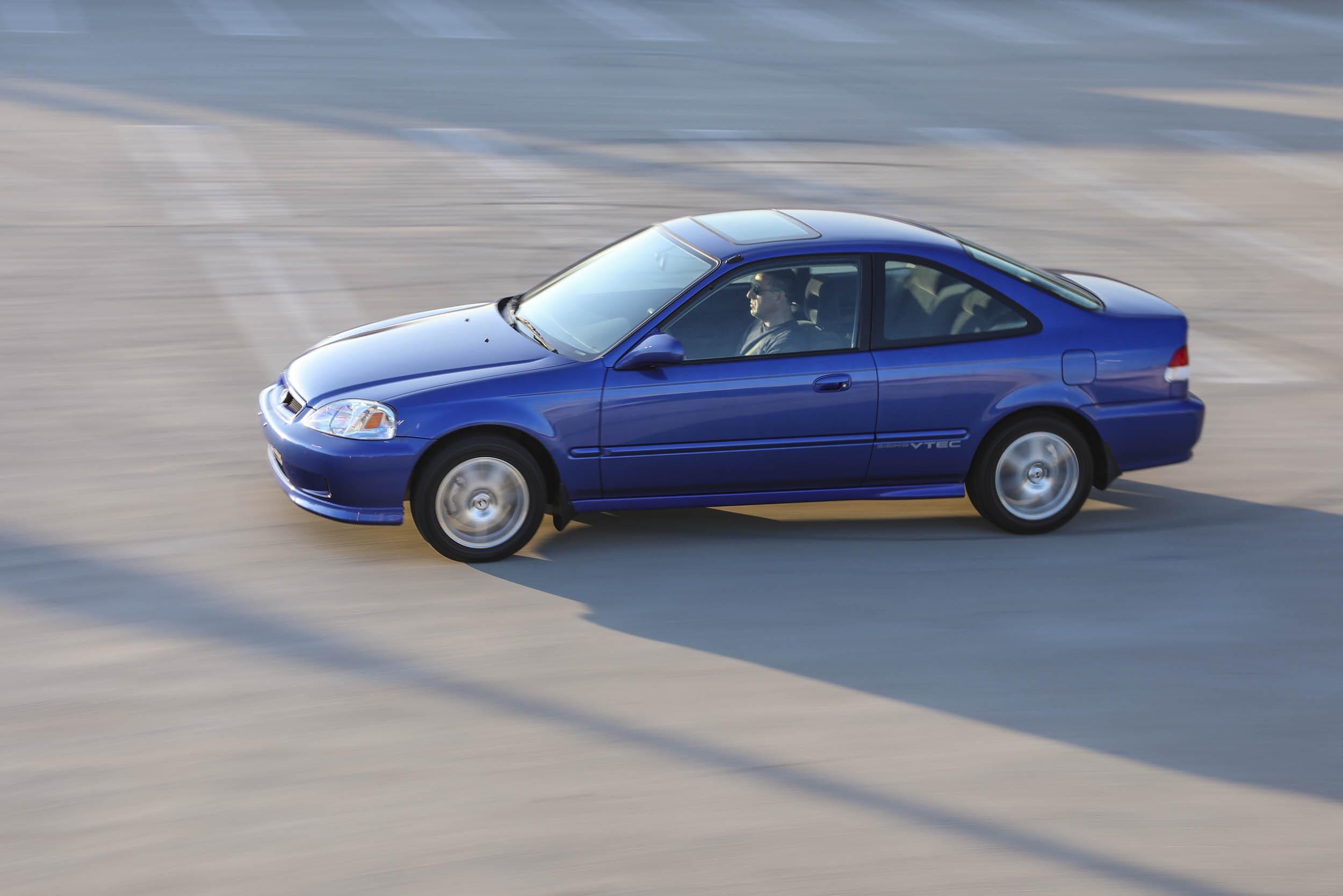 1999 Honda Civic Si driving