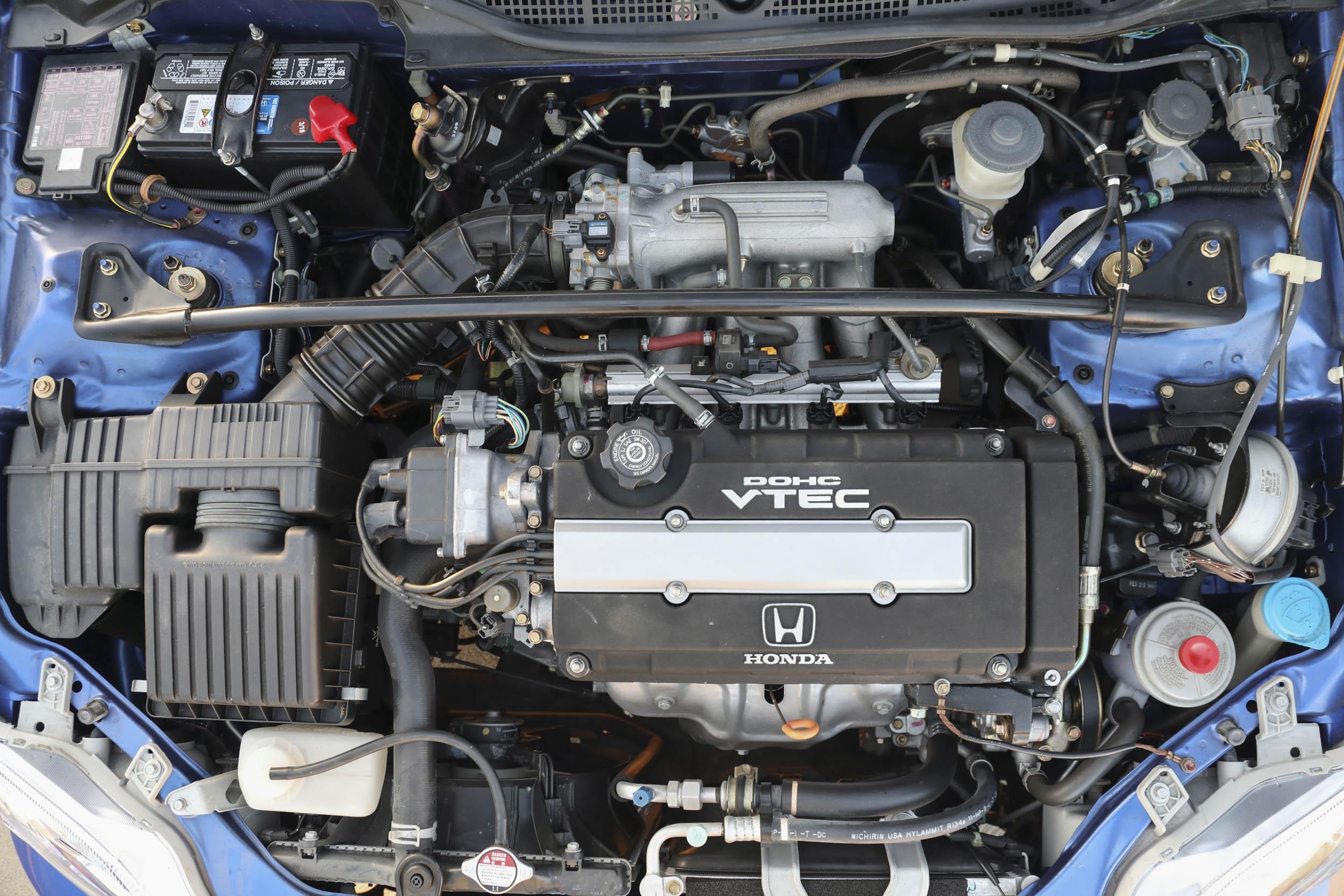 1999 Honda Civic Si engine bay