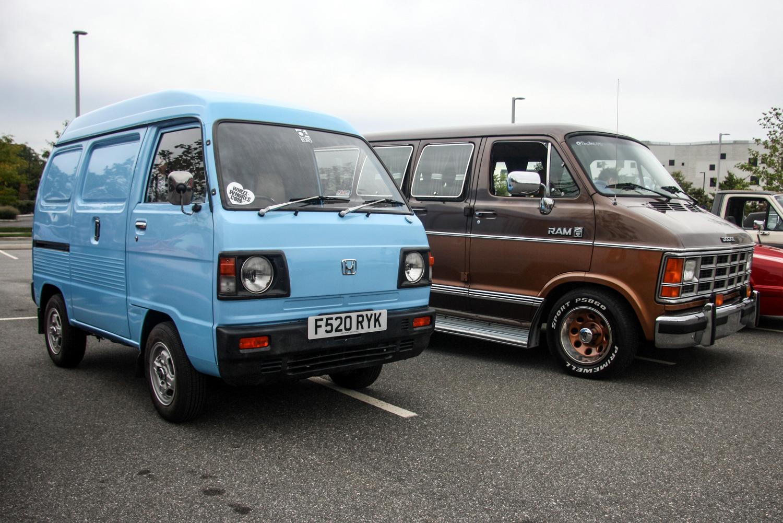 A Kei van and a Dodge van, '80s-style.