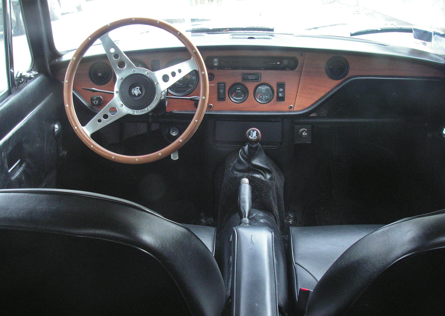 The GT6's wood dash and Smiths gauges.