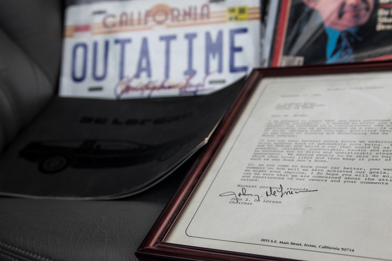 DeLorean DMC-12 vs Bricklin outatime license plate