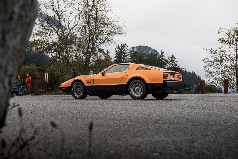 DeLorean DMC-12 vs Bricklin SV1 side shot orange