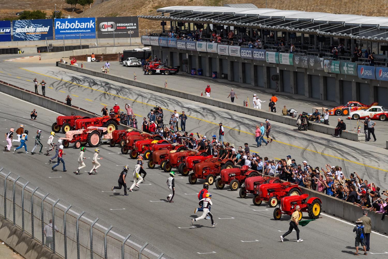 Porsche tractor race laguna seca lemans start