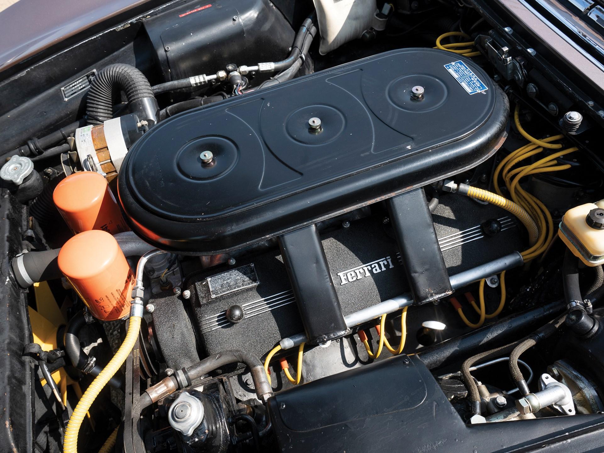 1965 Ferrari 330 GT 2+2 Shooting Brake engine