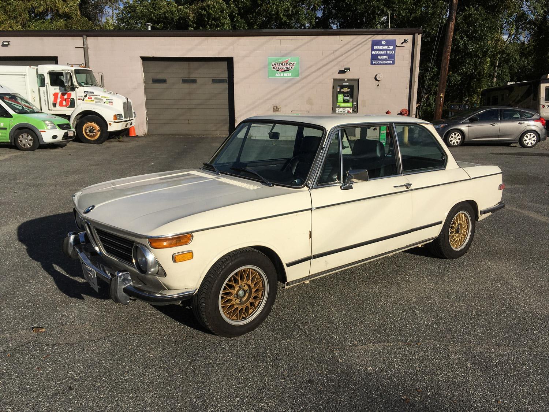 BMW 2002 White