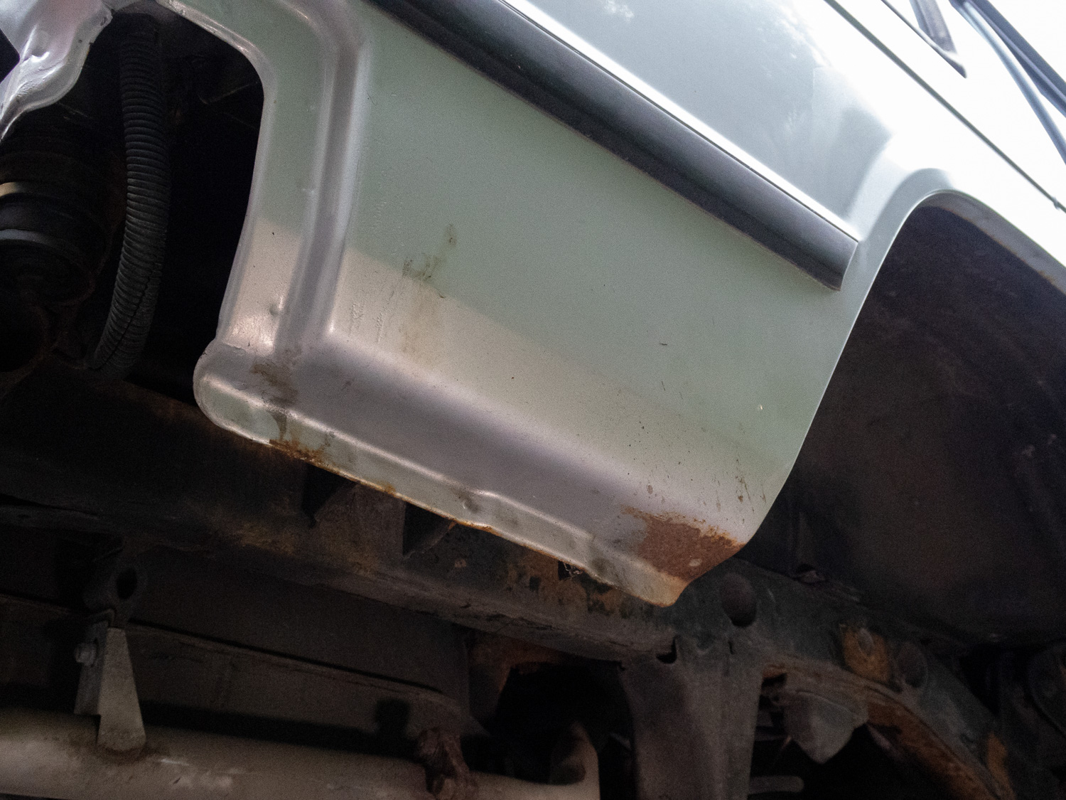 Underbody before paint close