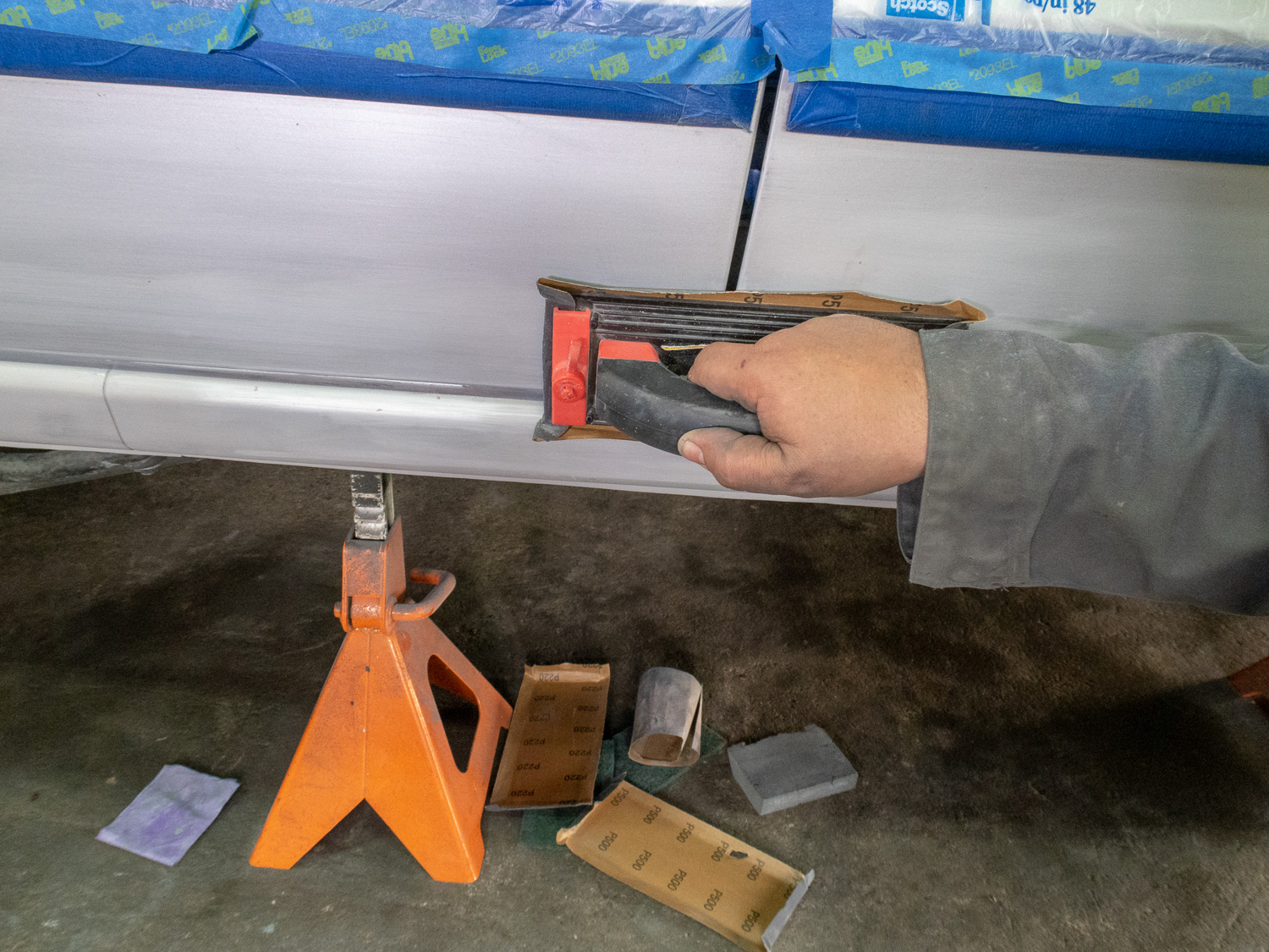 Spray paint sanding process touch up paint