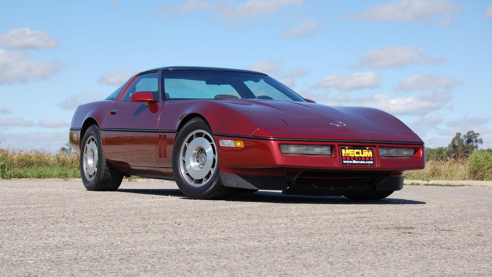 1987 Chevrolet Corvette front 3/4
