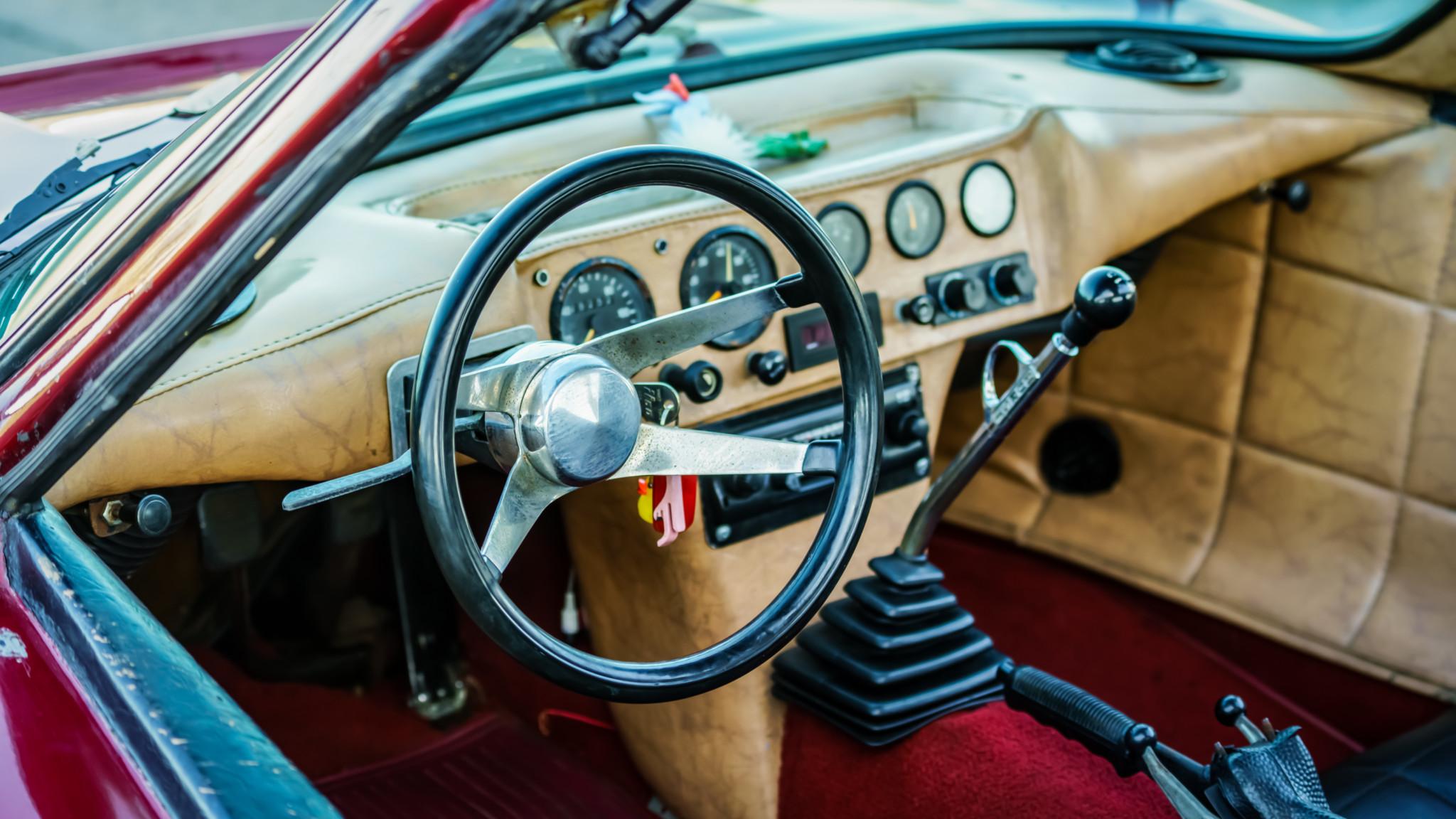Bradley GT interior steering wheel
