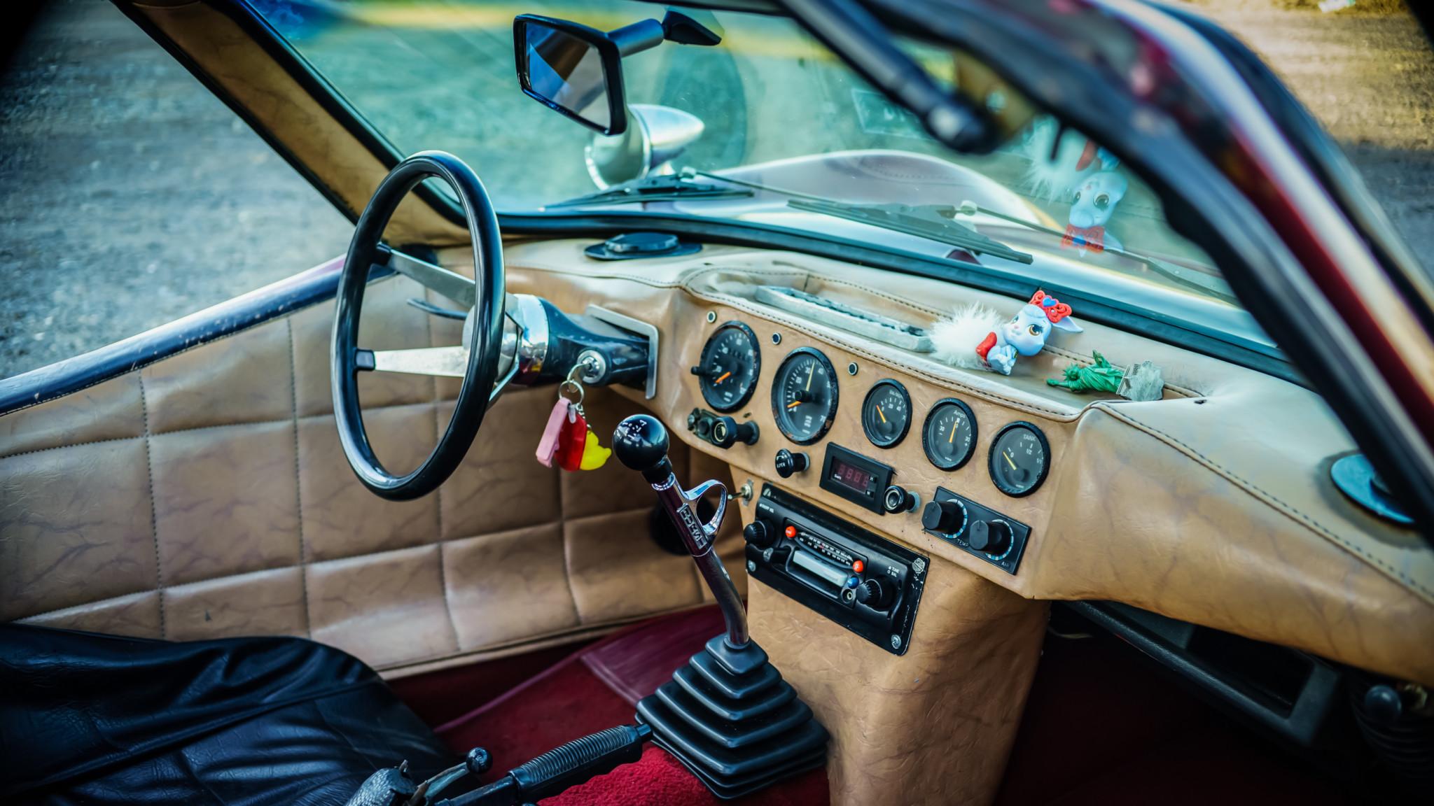 Bradley GT interior dash
