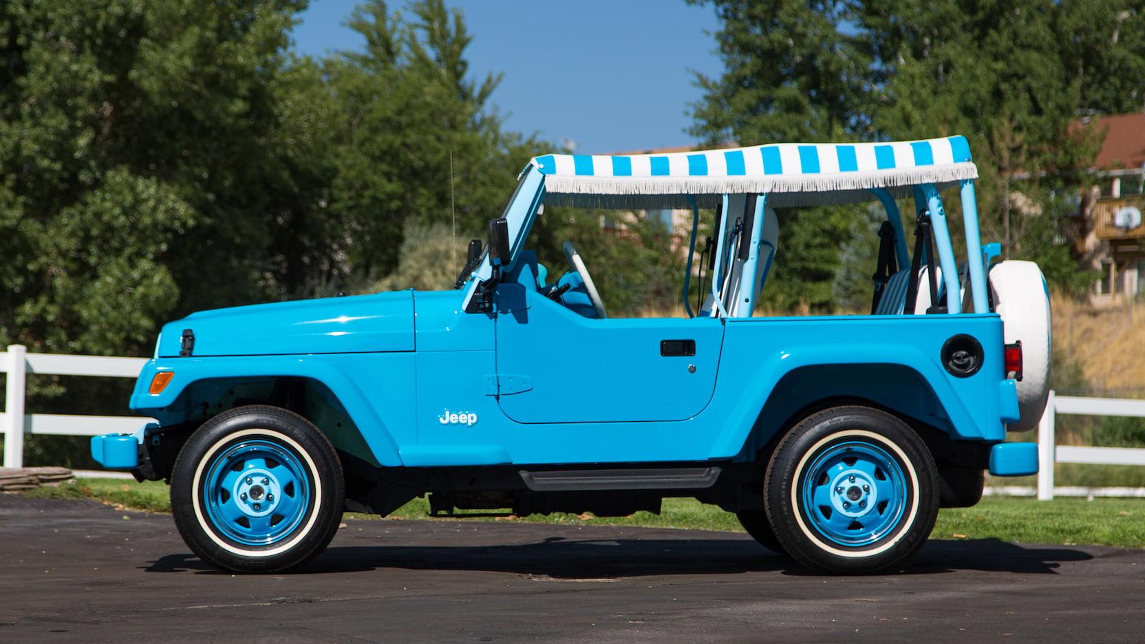 2004 Jeep Wrangler jolly side profile