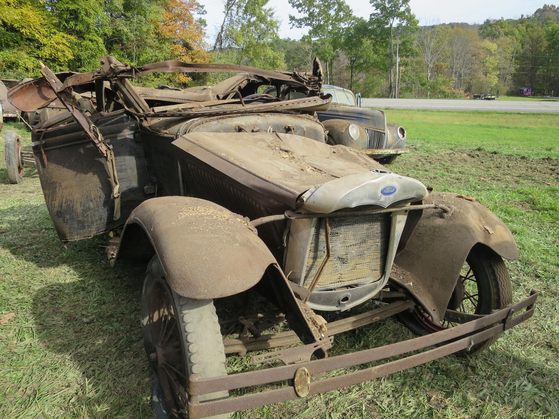 model a sedan barn collapse