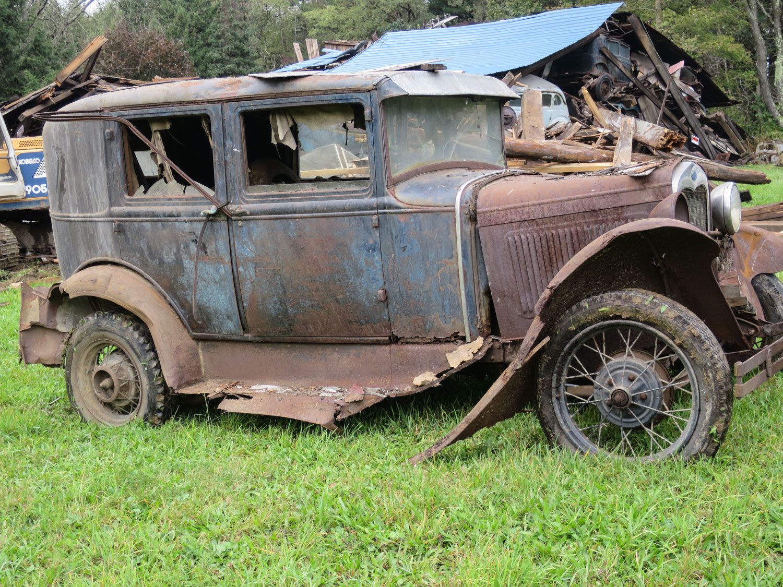 model a sedan side barn collapse