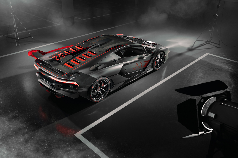 Lamborghini SC18 high 3/4 top black and white