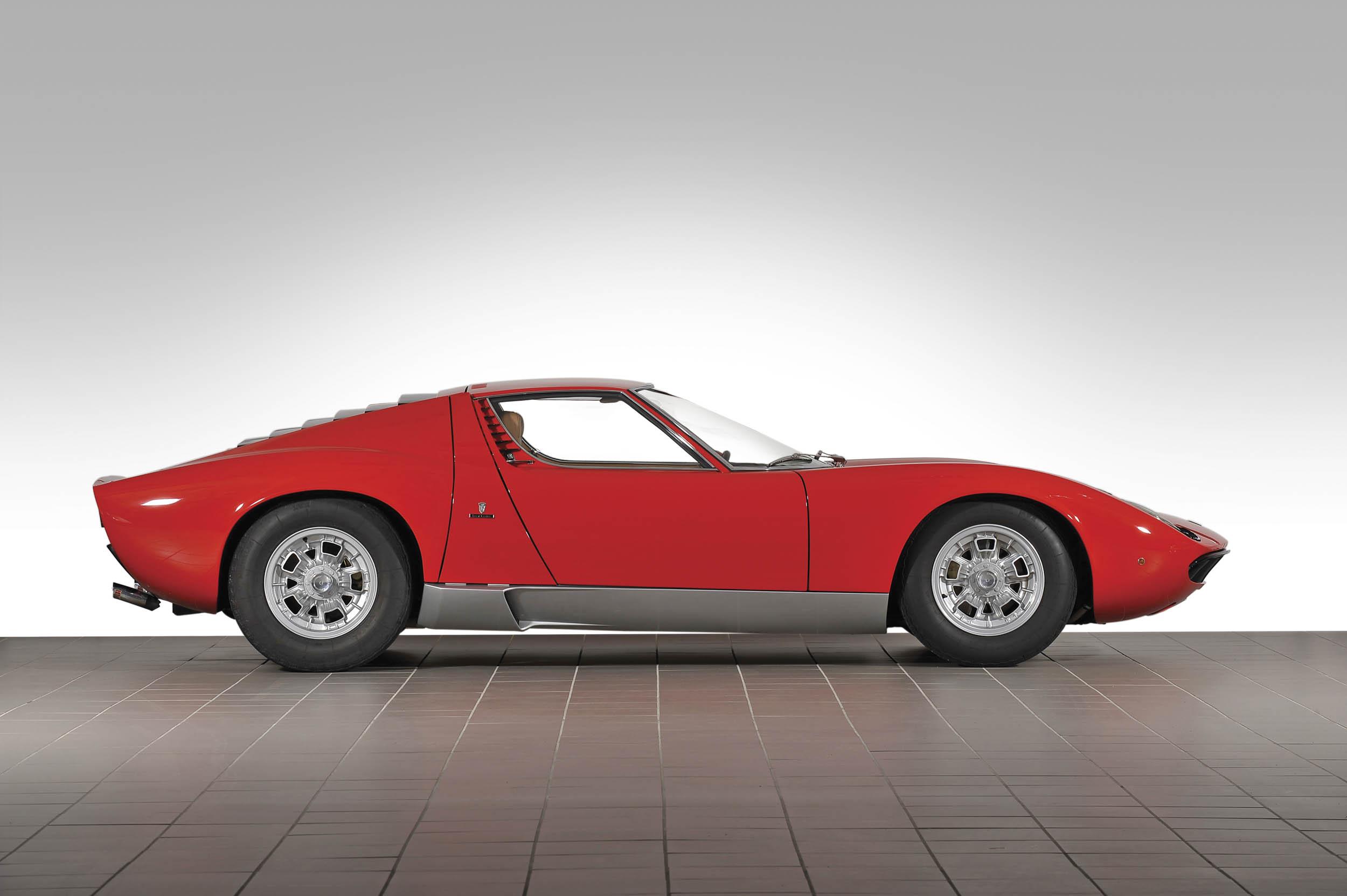 1967 Lamborghini Miura P400 profile