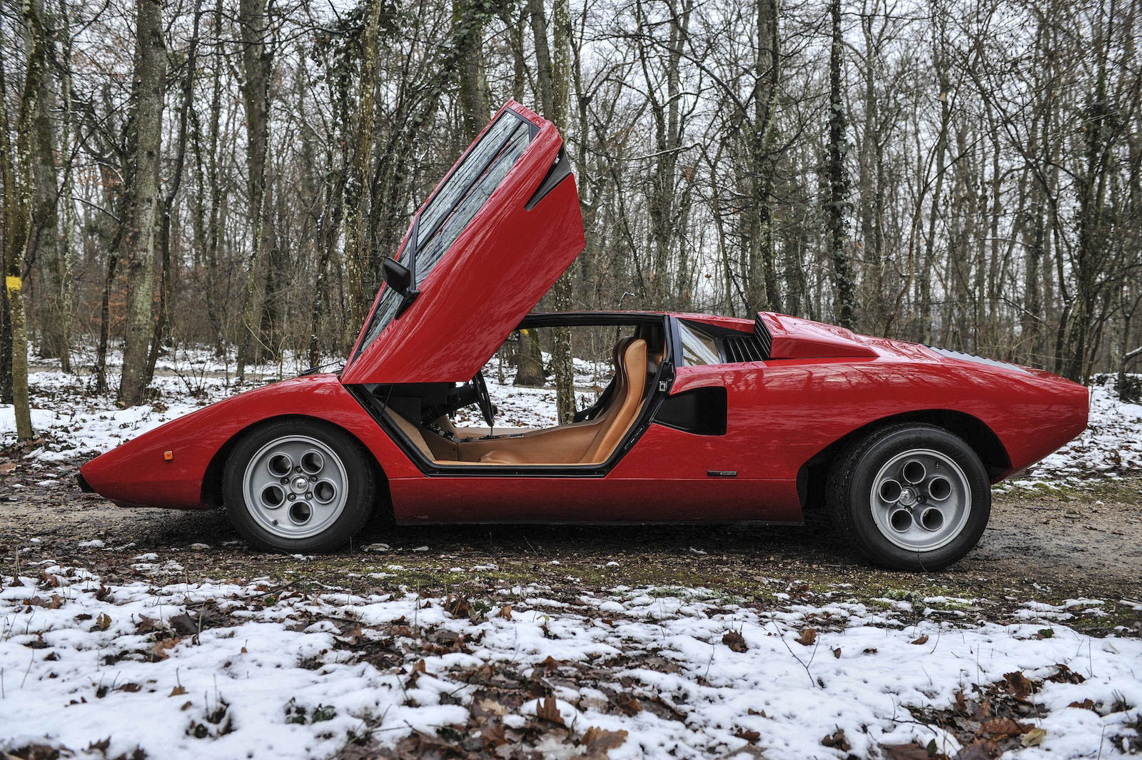 1974 Lamborghini Countach profile doors up