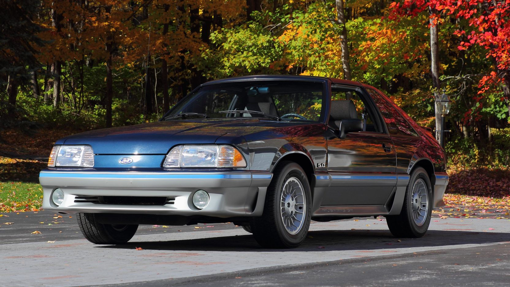1988 Ford Mustang GT front 3/4