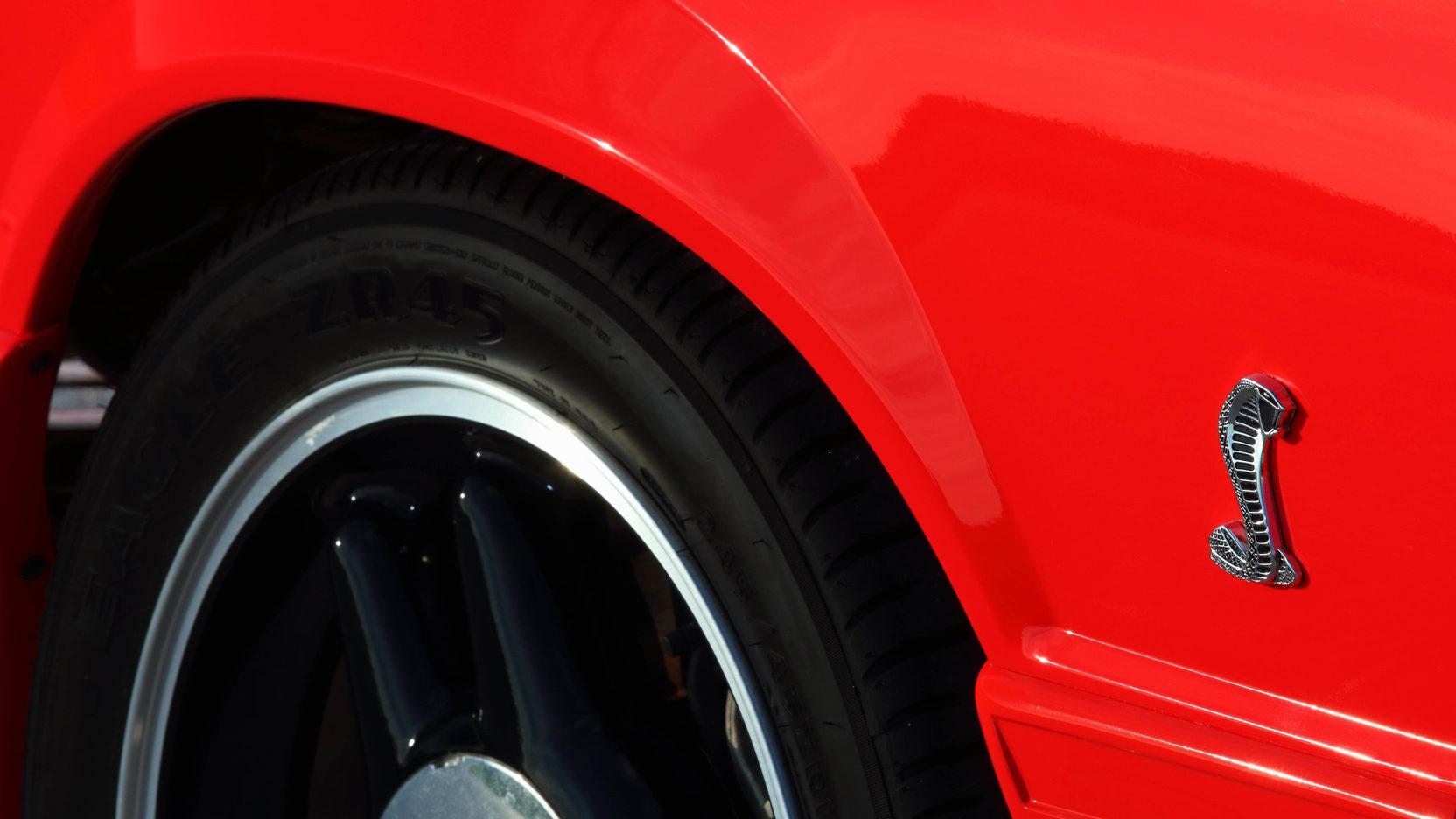 1993 Ford Mustang SVT Cobra R wheel and badge