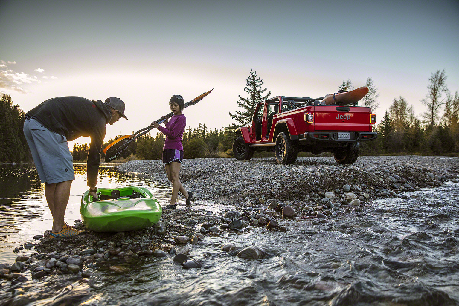 2020 Jeep Gladiator kayak river