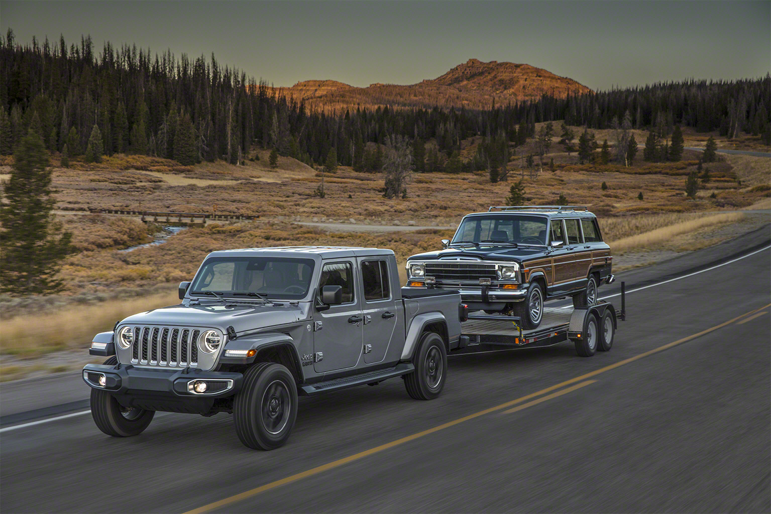 2020 Jeep Gladiator grand wagoneer trailer